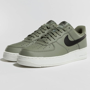 Nike sneaker Air Force 1 '07 olijfgroen