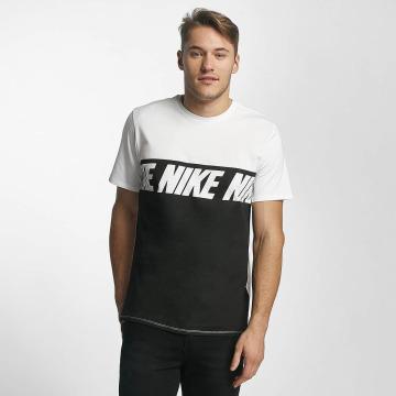 Nike T-Shirt NSW AV15 weiß