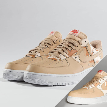 Nike Tennarit Air Force 1 07' LV8 beige