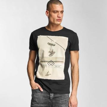 Stitch & Soul t-shirt Hang Around zwart