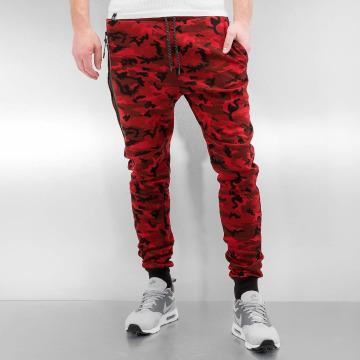 Who Shot Ya? Спортивные брюки Camo красный