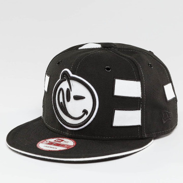 Yums Snapback Cap Black Tag4 Couture black