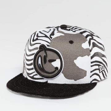 Yums Snapback Caps Classic Outline grå