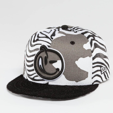 Yums Snapback Caps Classic Outline harmaa