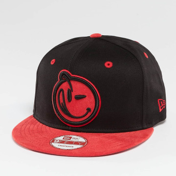 Yums Snapback Caps Classic Suede Outline musta