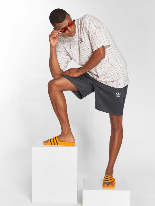 adidas originals Tall Tees Long mangefarvet