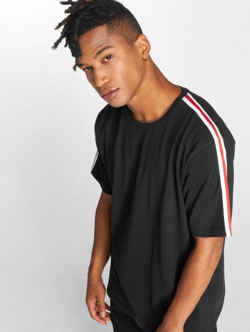 DEF T-shirt Pindos svart