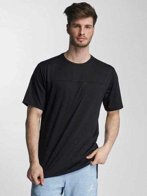 Jordan t-shirt 23 Lux Classic Pocket zwart