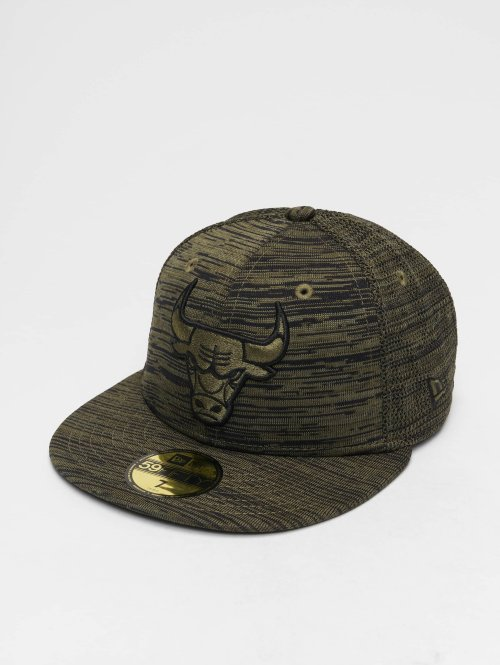New Era Fitted Cap NBA Engineered Fit Chicago Bulls 59 Fifty olijfgroen