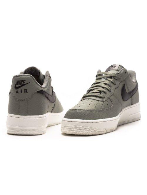 Nike Schuhe Air Force 1 `07 grau