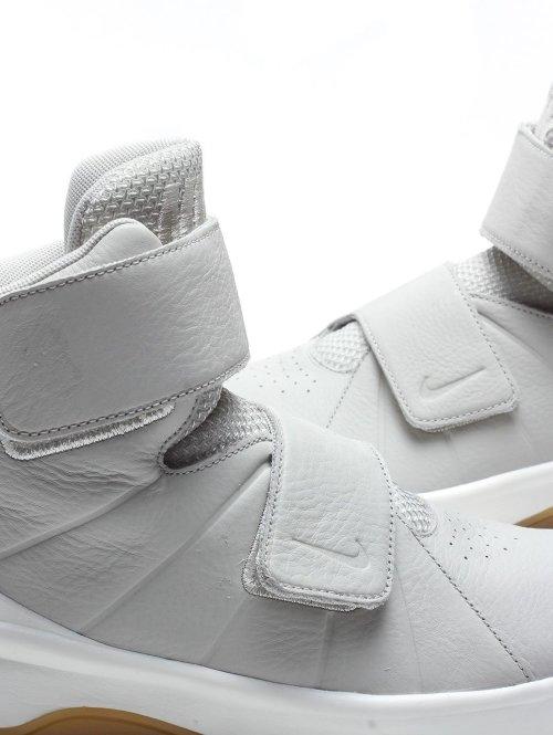 Nike Sneaker Marxman Premium grau