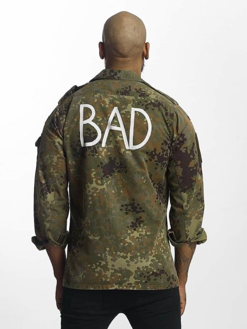 Soniush Zomerjas Bad camouflage