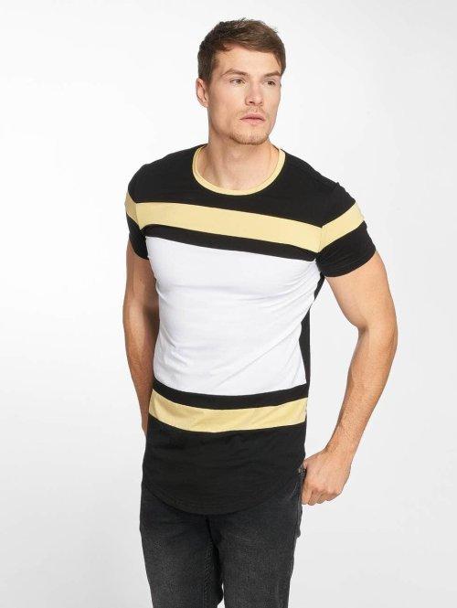 Terance Kole t-shirt Cathédrale Saint-Caprais zwart