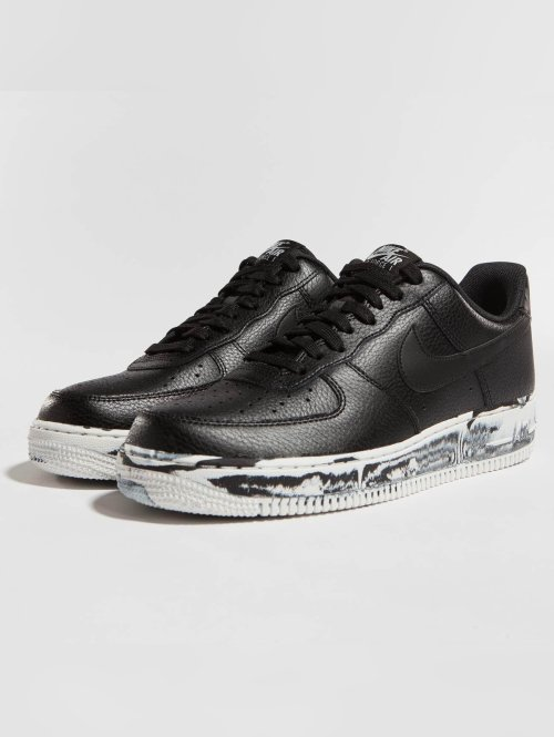 Nike Baskets Air Force 1 `07 LV8 noir
