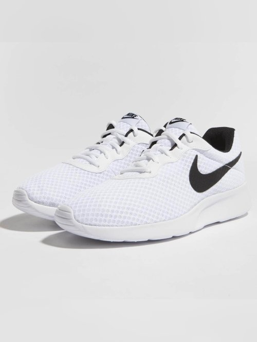 Nike Sneaker Tanjun weiß