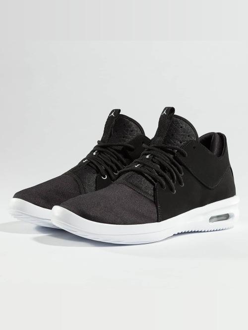 Jordan Baskets Air First Class noir