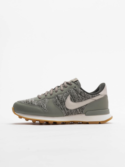 Nike Sneaker Internationalist grün