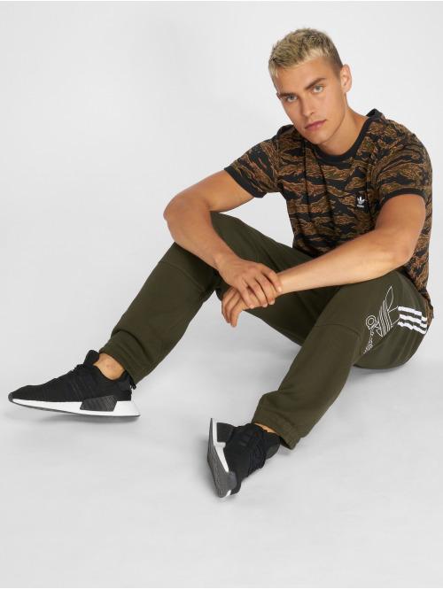 adidas originals Jogginghose Outline Pant olive