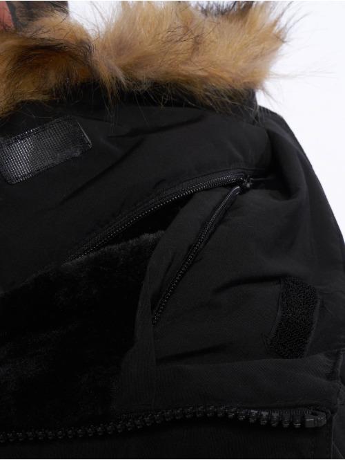 Helvetica Winterjacke Expedition Raccoon schwarz