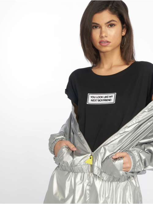 Mister Tee T-Shirt Next Boyfriend schwarz