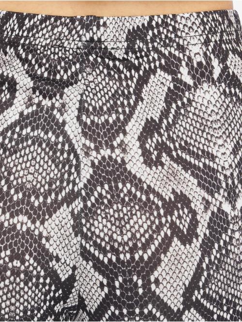 NA-KD Shorts Serpent schwarz