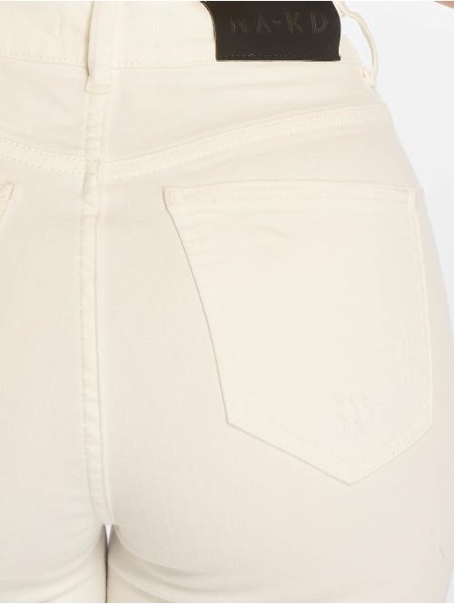 NA-KD Skinny Jeans Chewed Hem weiß