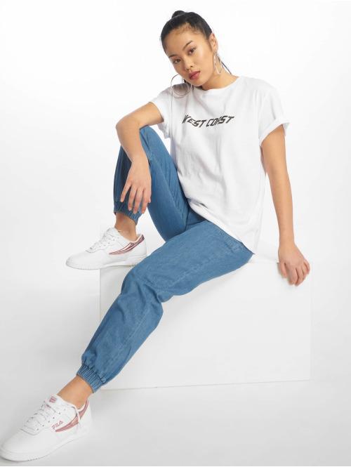 NA-KD T-Shirt West Coast weiß