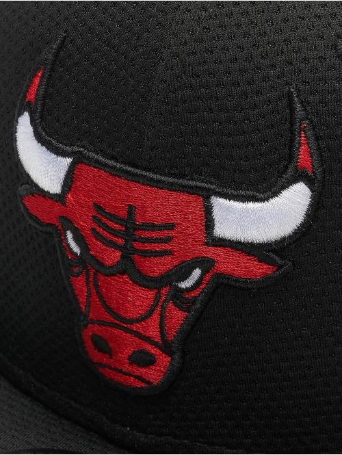 New Era Fitted Cap NBA Chicago Bulls Training Mesh 59Fifty schwarz