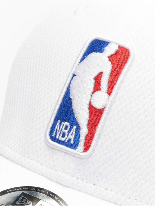 New Era Flexfitted Cap NBA Logo Diamond Era 39thirty weiß