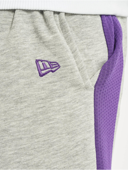 New Era Shorts NBA LA Lakers Graphic Overlap grau