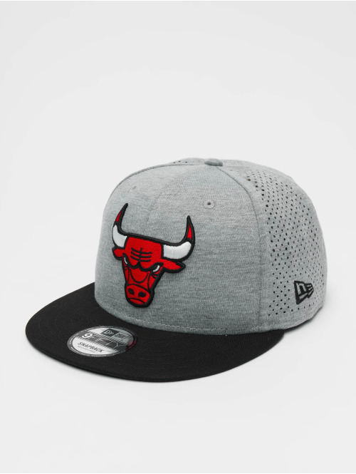 New Era Snapback Cap NBA Chicago Bulls Shadow Tech 9fifty grau