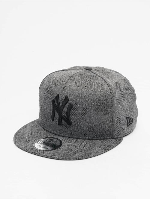 New Era Snapback Cap MLB NY Yankees Engineered Plus 9Fifty grau