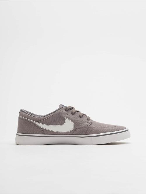 Nike SB Sneaker Solarsoft Portmore II grau