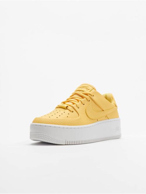 Nike Sneaker AF1 Sage Low gelb