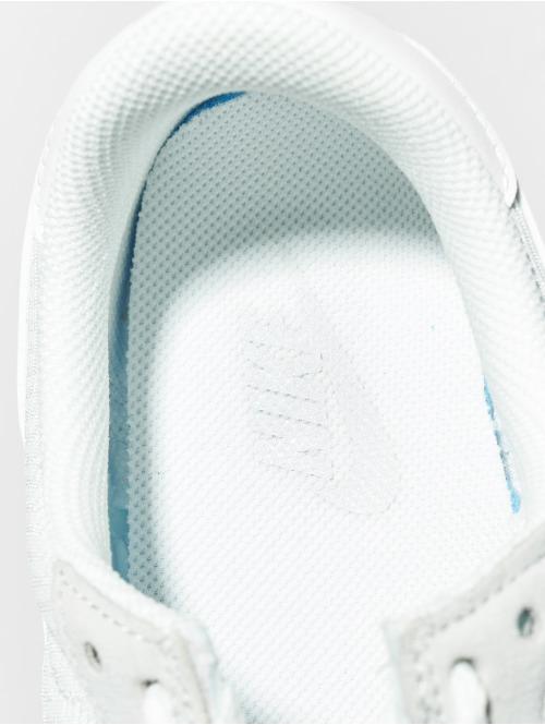 Nike Sneaker Air Pegasus 83 grau