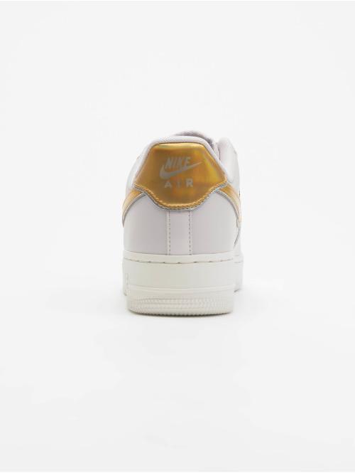 Nike Sneaker Air Force 1 07 Metallic grau