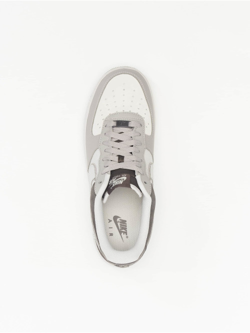 Nike Sneaker Air Force 1 '07 LV8 2 grau