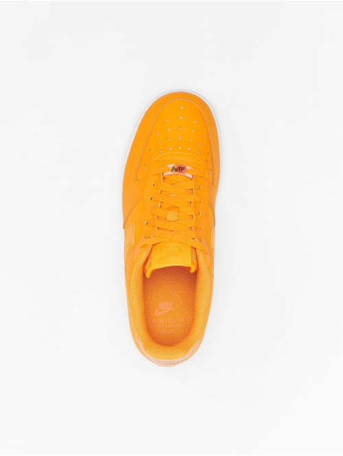 Nike Sneaker Air Force 1 '07 Essential orange
