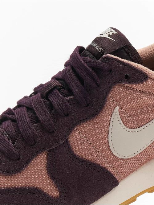Nike Sneaker Internationalist pink