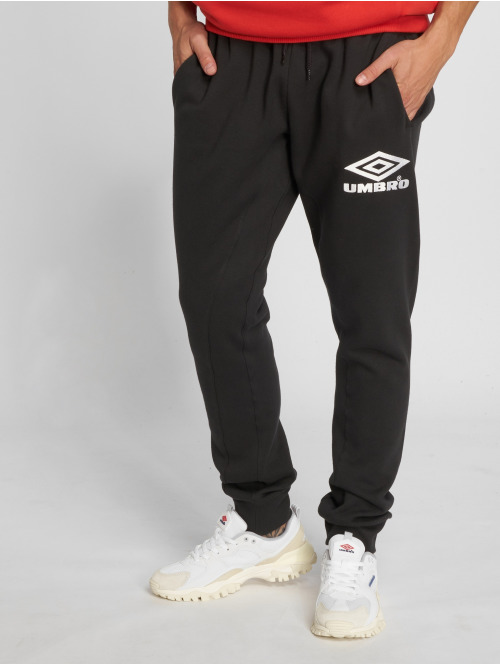 Umbro Jogginghose Classico Tapered Fit schwarz