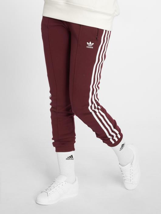 adidas originals Pantalón deportivo Clrdo Sst Tp rojo