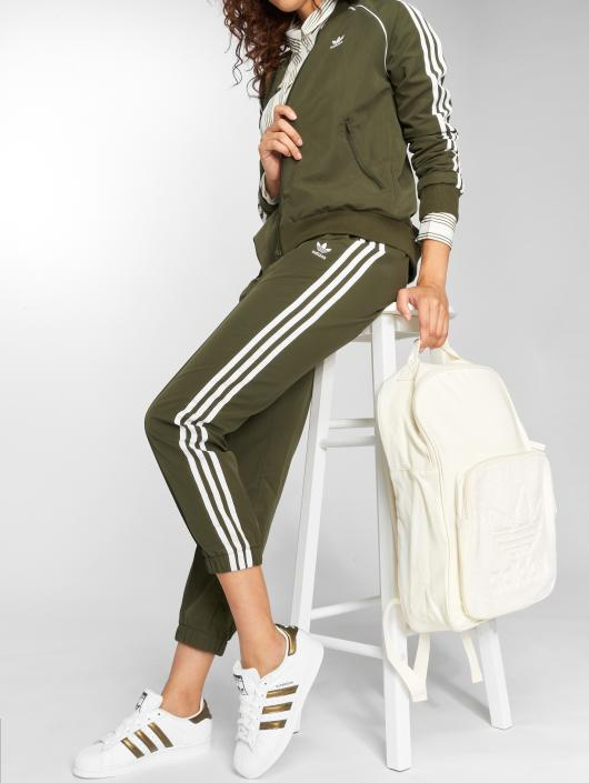 adidas originals Spodnie do joggingu Regular Tp Cuf oliwkowy