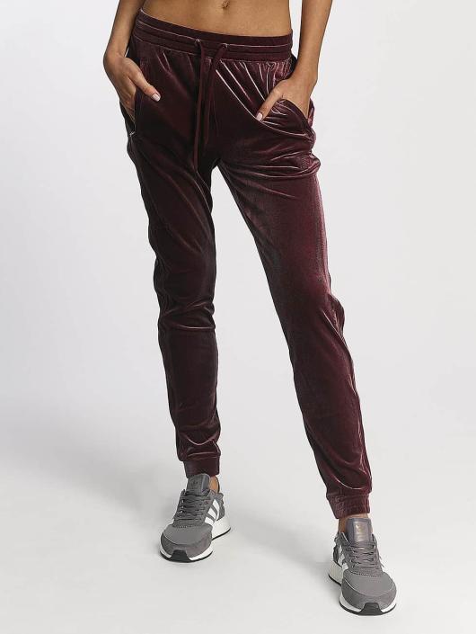 adidas originals Sweat Pant Velvet Vibes red