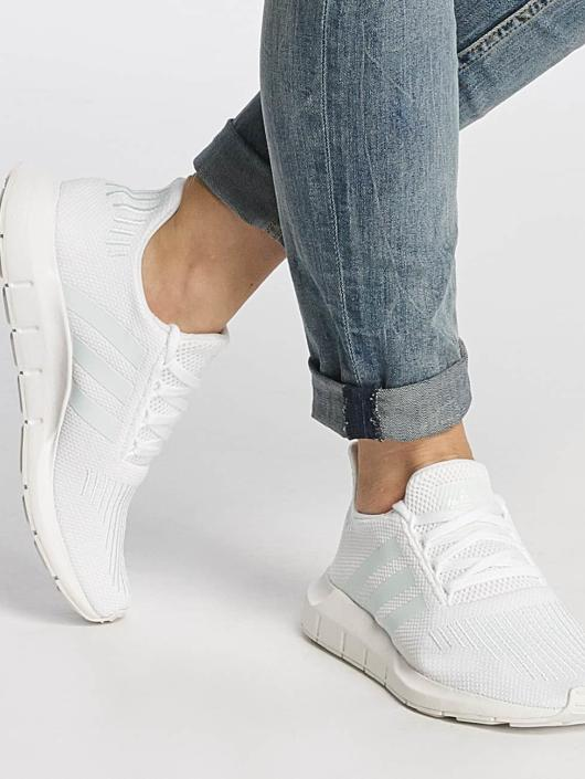adidas originals Tøysko Swift Run W hvit