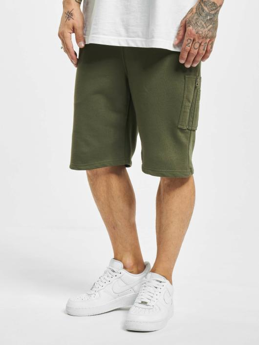 Alpha Industries Shorts X-Fit grün