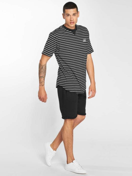 Bench T-paidat Striped musta