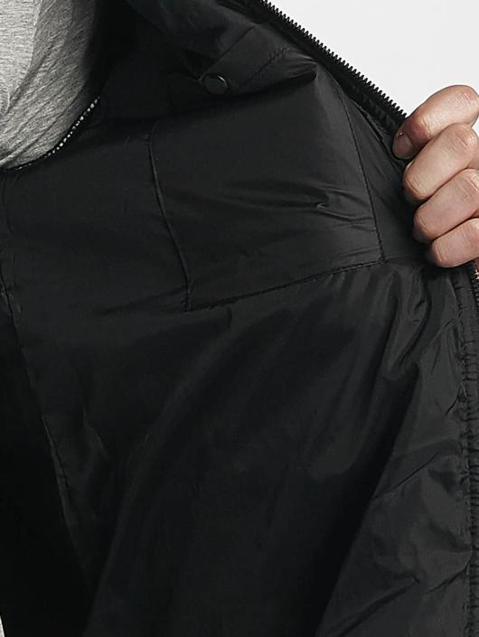 Bench Välikausitakit Bonded Insulator musta
