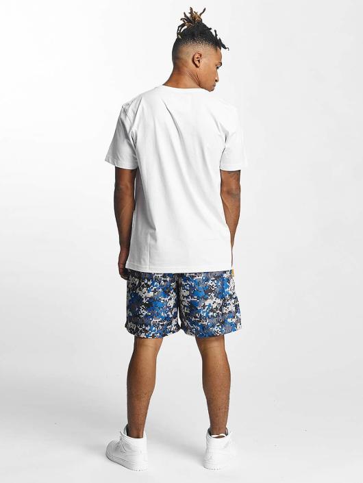 CHABOS IIVII Shorts Camo blau