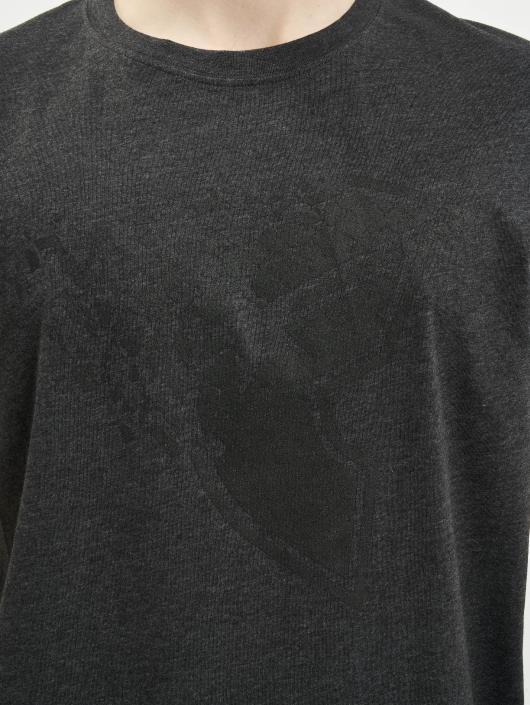 Famous Stars and Straps T-skjorter Blasted grå