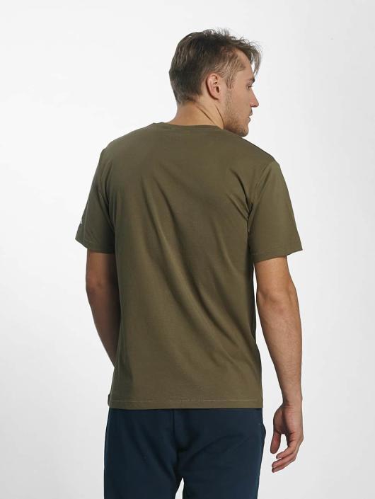 fila urban line classic logo olive homme t shirt 381709. Black Bedroom Furniture Sets. Home Design Ideas